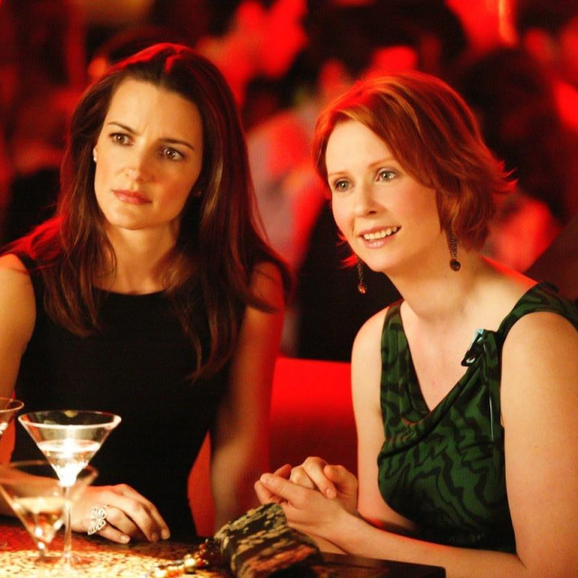Charlotte i Miranda u sceni iz serije 'Seks i grad'