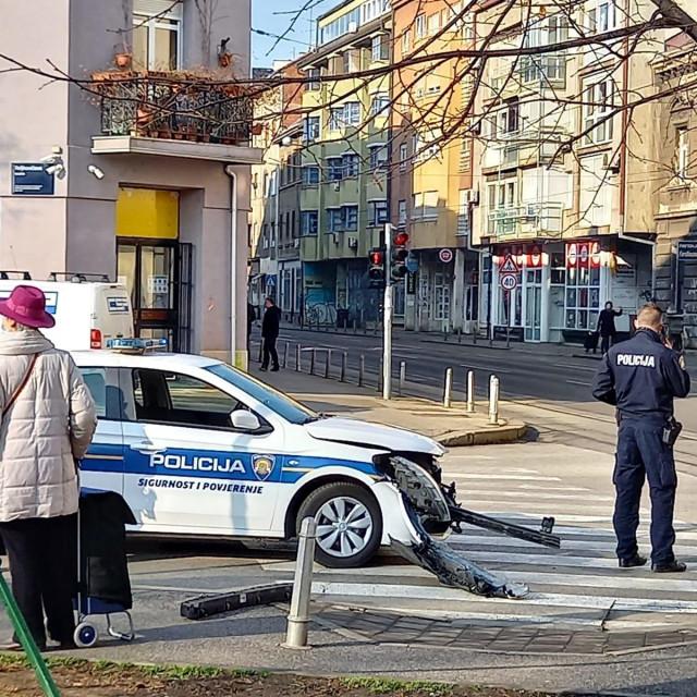 Prometna nesreća na križanju zagrebačke Ilice sa Reljkovićevom ulicom