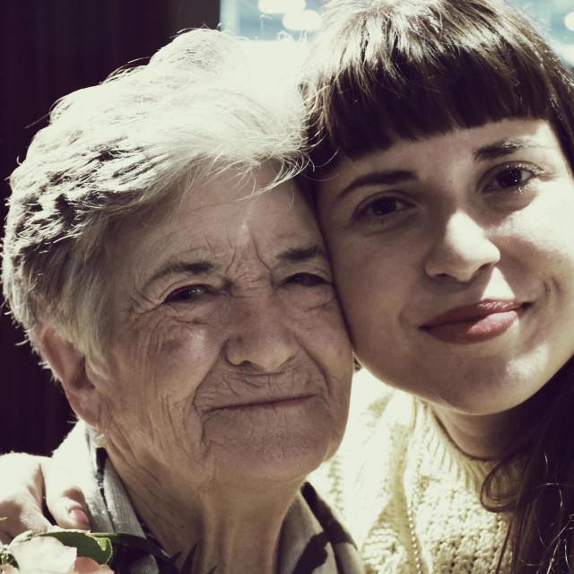 Ana Penyas s bakom na predstavljanju grafičkog romana