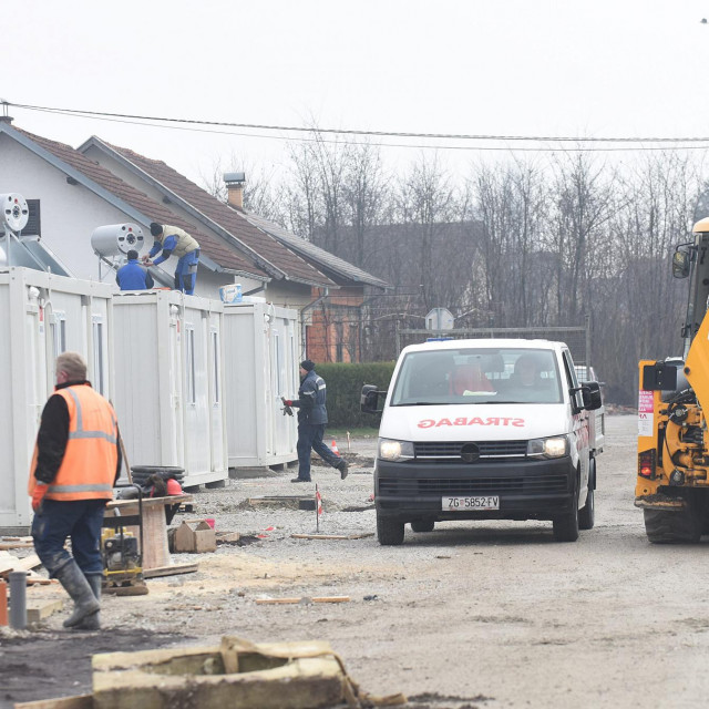 Kontejnersko naselje u Petrinji