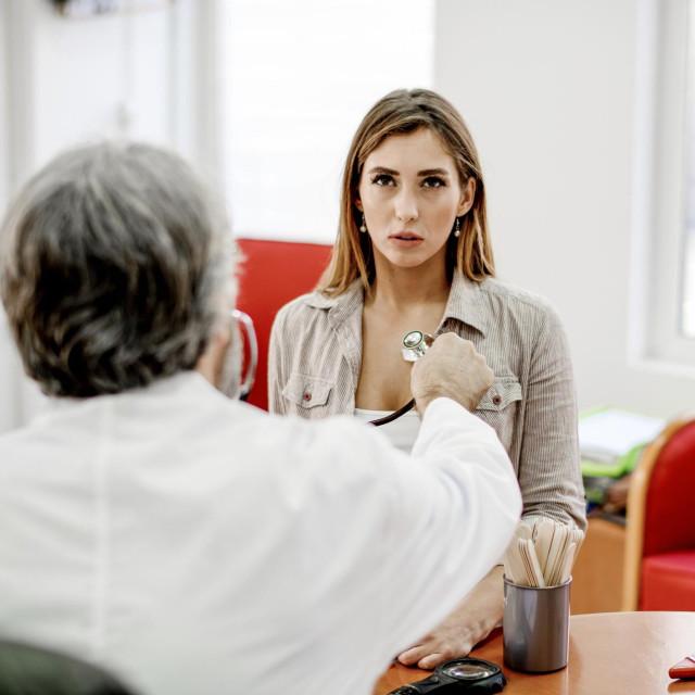 U fazi oporavka zaostaju ili se pak pojavljuju neki novi simptomi zbog čega pojedini bolesnici zahtijevaju adekvatan medicinski nadzor i praćenje