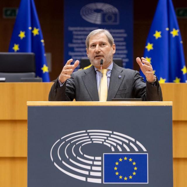 Hahn je još jednom pozvao nacionalne parlamente da što prije ratificiraju preduvjete za fond EU za sljedeće generacije
