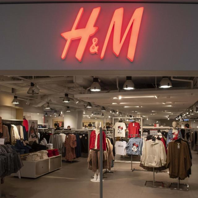 Hennes & Mauritz, H&M, trgovina u Hong Kongu