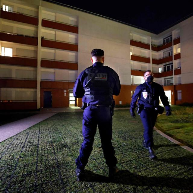 Predgrađe Pariza Epinay-sous-Senart u kojem su dva 14-godišnjaka izbodena do smrti