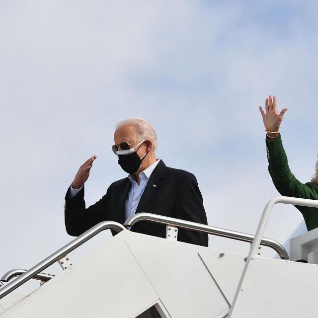 Joe Biden i Prva dama Jill pri dolasku u Teksas