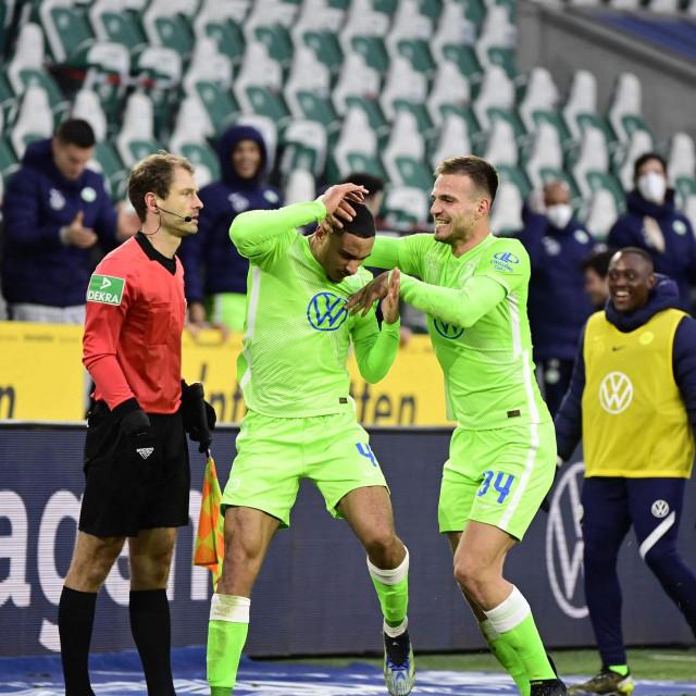 Pongračić i Lacroix slave gol Wolfsburga