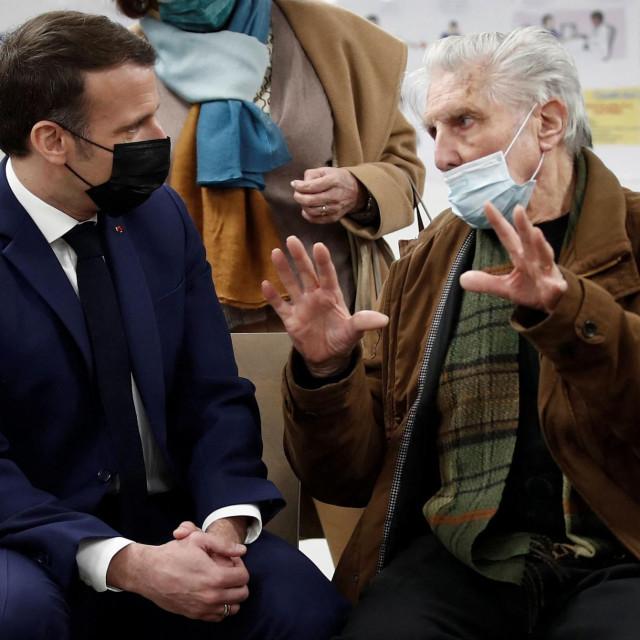 """Iako je do nedavno i sam tvrdio da cjepivo AstraZenece nije učinkovito za starije građane, Macron """"mijenja ploču"""" i zove ih da se cijepe"""