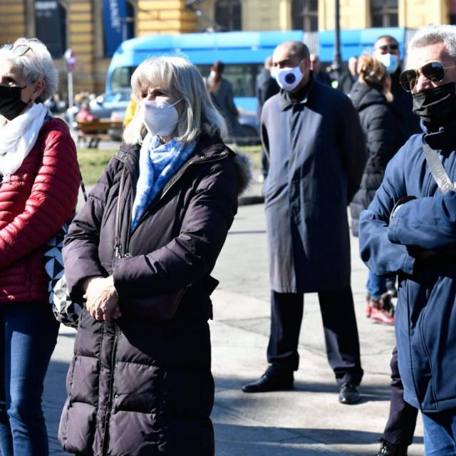Ana Marija Bandić, građani ispred HNK, martina Bienfeld