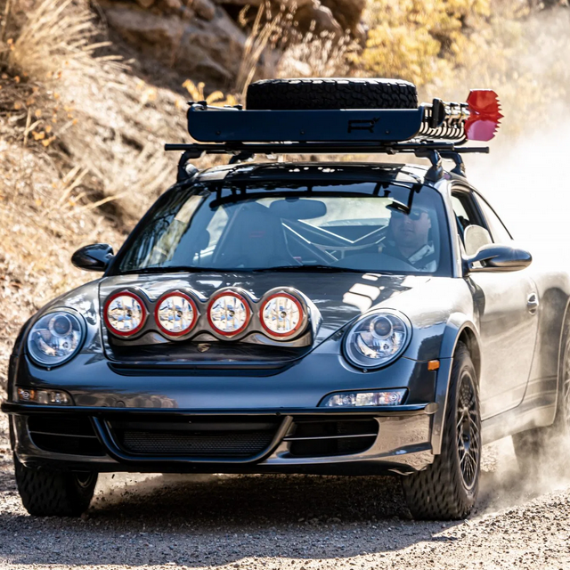 "Porsche 911 ""Safari"" prerada"