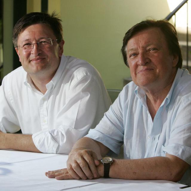 Arhitekt Otto Barić snimljen u društvu svog oca, nogometnog trenera Otta Barića