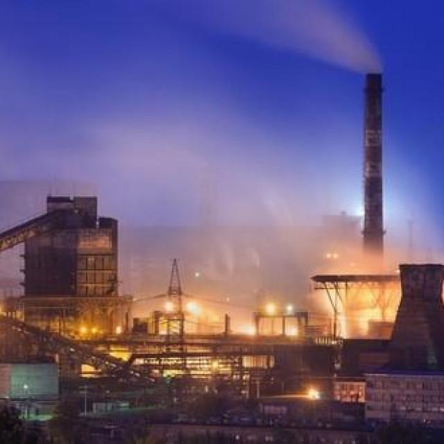 Tvornica koja zagađuje zrak, ilustracija