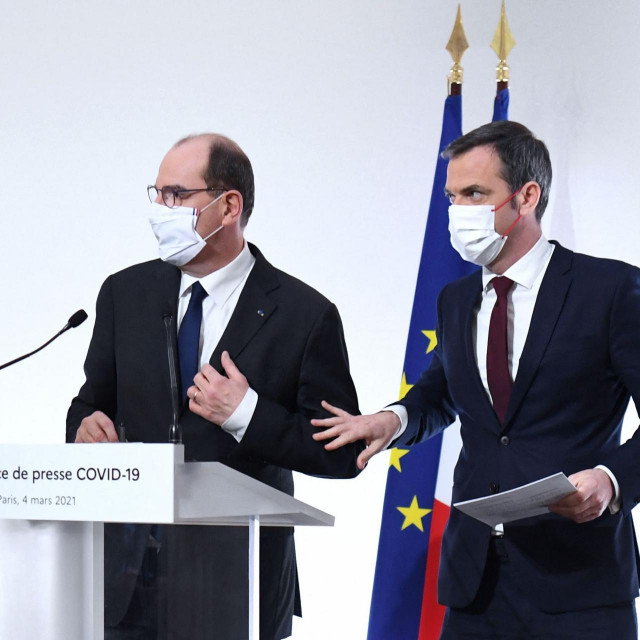 Francuski ministar zdravstva Olivier Veran (desno) i premijer Jean Castex