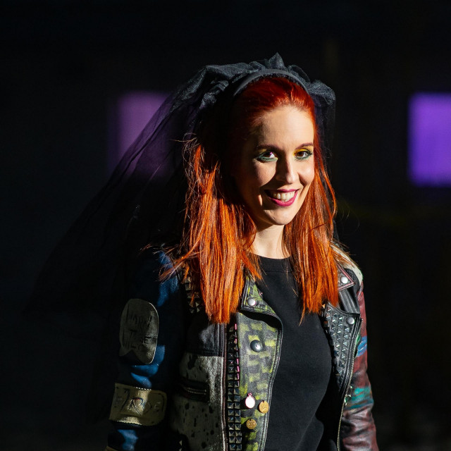 Helena Minić Matanić kao nevjesta s crnim veom.