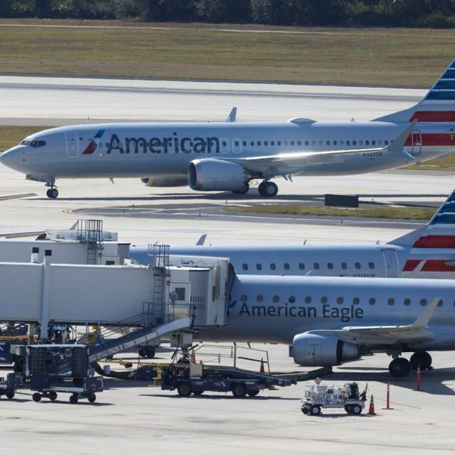 HITNO SLIJETANJE! Nove nevolje Boeingovog aviona 737 MAX: Kapetan na letu Miami-New Jersey morao ugasiti motor!