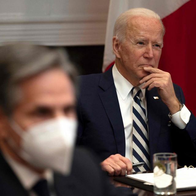 """Novi državni tajnik Antony Blinken najavljuje kako Bidenova administracija """"neće pod svaku cijenu izvoziti demokraciju""""."""