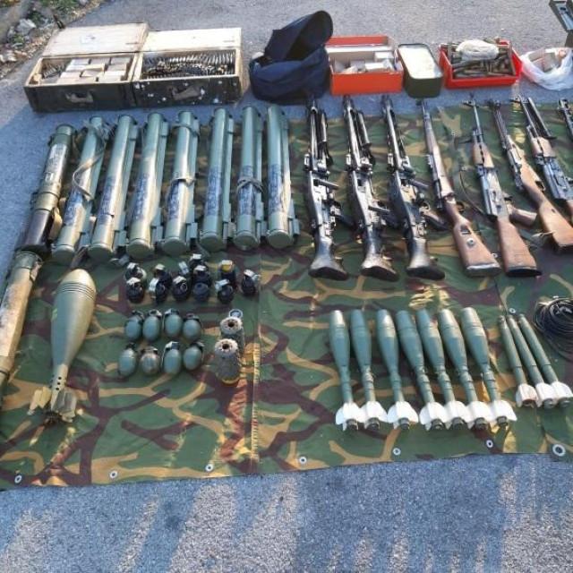 Predano oružje