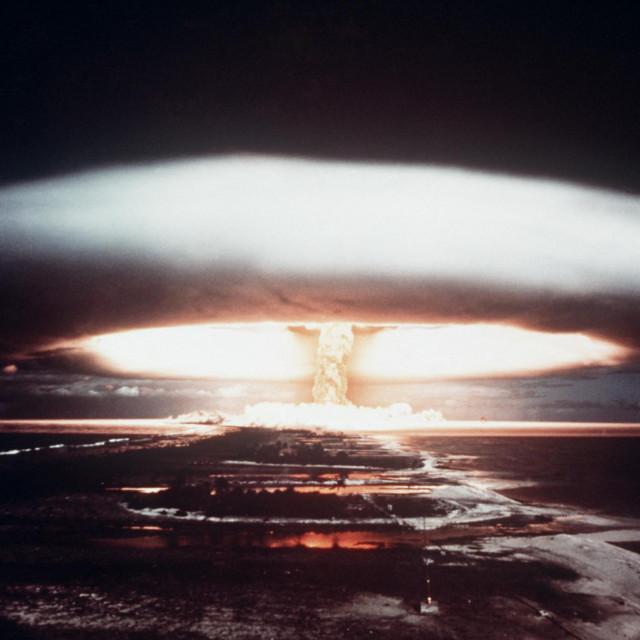 Nuklearna eksplozija kod atola Mururoa 1971.