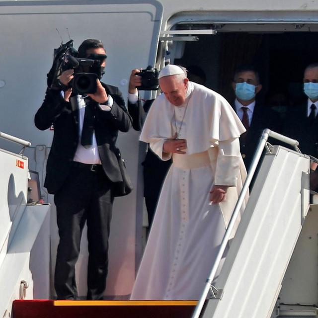 Papa Franjo pozdravlja Iračane prije povratka u Vatikan