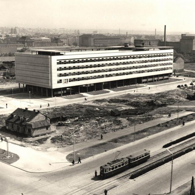 Zgrada Narodnog odbora Grada Zagreba (danas Gradsko poglavarstvo) na snimci iz 1962. godine