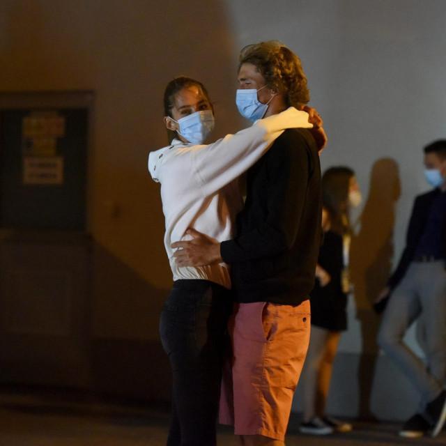 Aleksandar Zverev i djevojka Brenda Patea na testiranju na covid u Zadru nakon Adria tour turnira