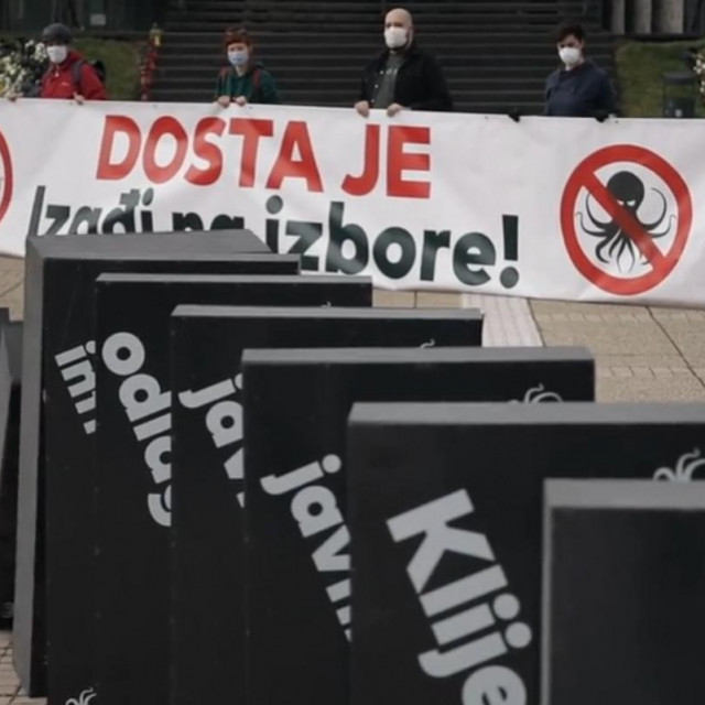 Performans ispred Gradskog poglavarstva u Zagrebu
