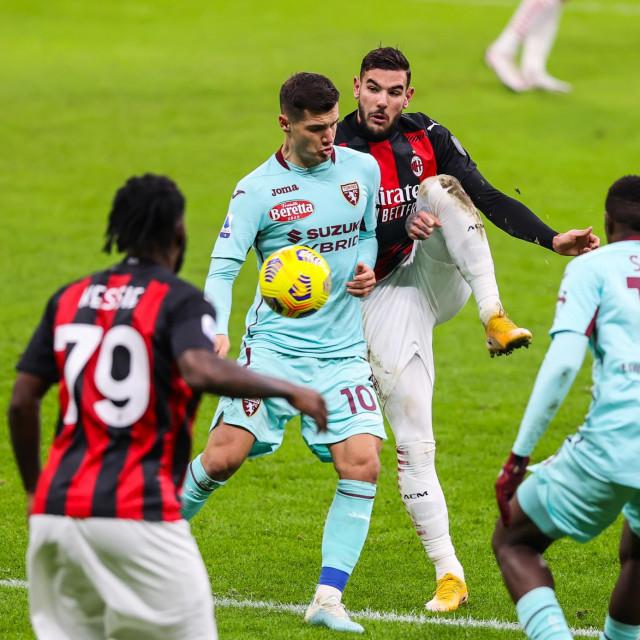Amer Gojak u dresu Torina protiv Milana