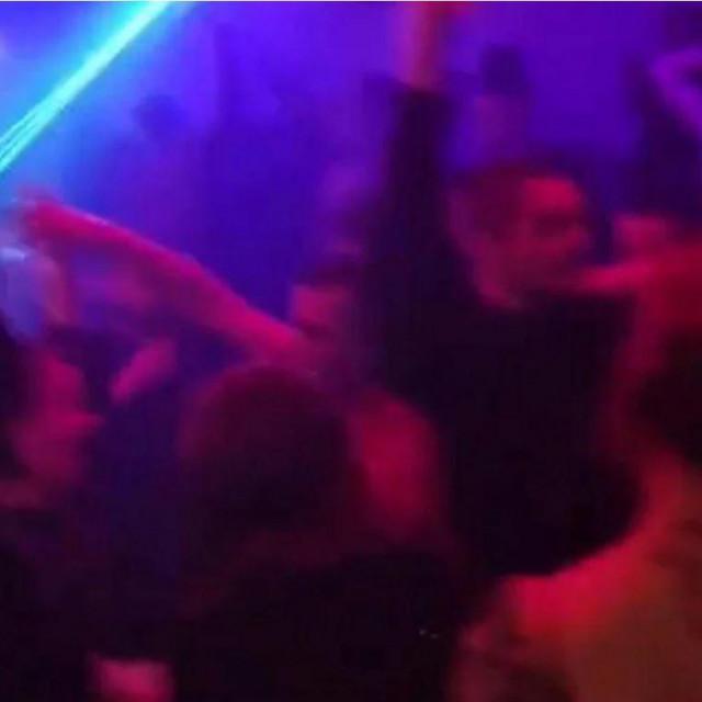 Korona party u Zadru
