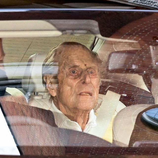 Princ Philip po izlasku iz bolnice