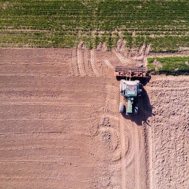 Ilustracija, poljoprivredno zemljište