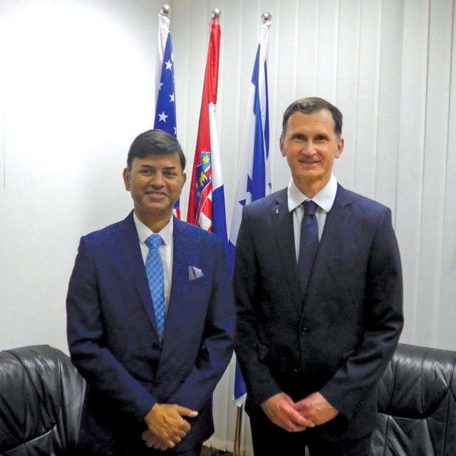 Veleposlanik Republike Indije Raj Srivastava i prof.dr. Dragan Primorac