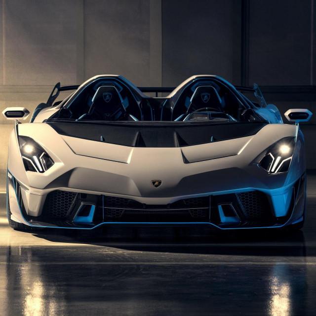Lamborghini SC20 Squadra Corse