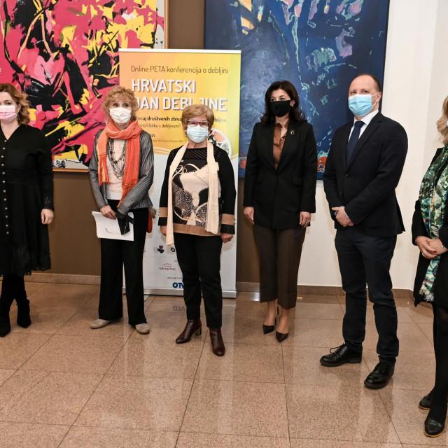 Ivana Portolan, Sonja Njunjić, Mirjana Burić Moskaljov, Sanja Musić Milanović, Davor Štimac i Antonija Balenović