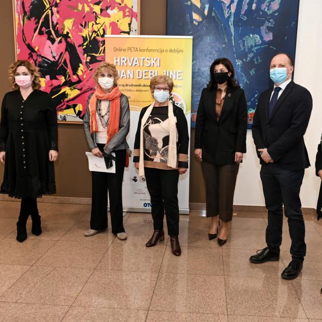 Ivana Portolan Pajić, Sonja Njunjić,Mirjana Burić Moskaljov,Sanja Musić Milanović, Davor Štimac i Antonija Balenović