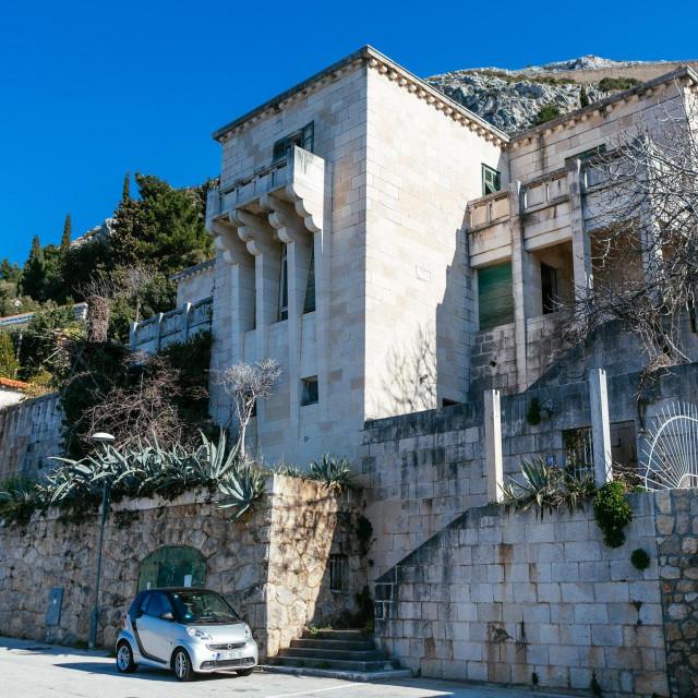 Zapuštena Vila Regenhart, pored crkve Sv.Jakova u Dubrovniku