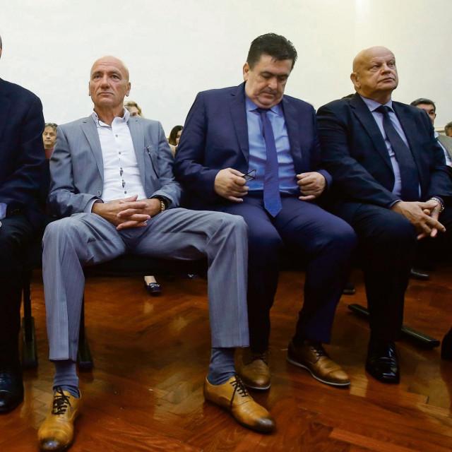 Nakon smrti prvooptuženog Milana Bandića suđenje u aferi Agram nastavljeno je protiv Slobodana Ljubičića, Petra Pripuza i niza šefova gradskih ureda i tvrtki
