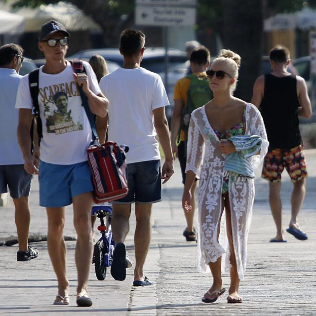 O uspjehu turističke sezone ovise tisuće i tisuće radnih mjesta, kao i punjenje državnog proračuna