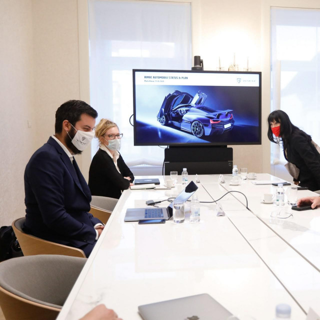 Andrej Plenković sa suradnicima tijekom nedavnog susreta s Matom Rimcem
