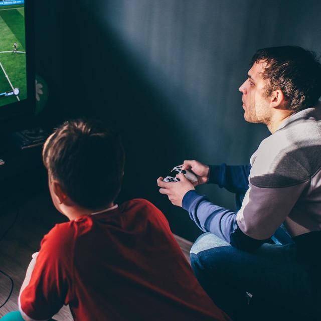 Industrija video igara po globalnim prihodima nadmašuje filmsku i muzičku industriju zajedno, a broj osoba koje se mogu smatrati makar povremenim gejmerima je nevjerojatnih 2,7 milijardi