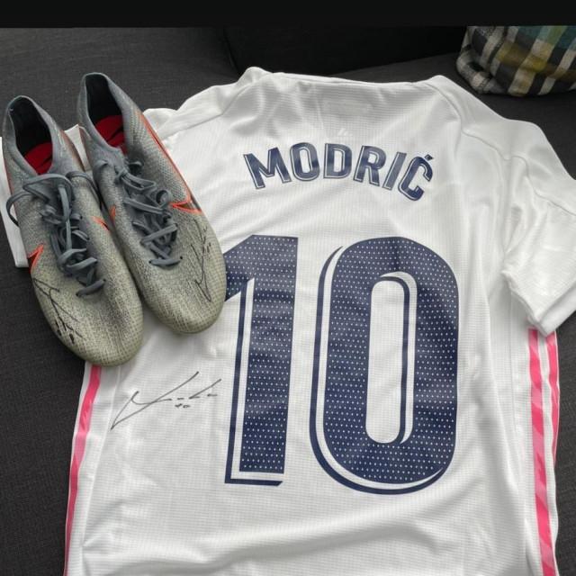 Luka Modrić dres