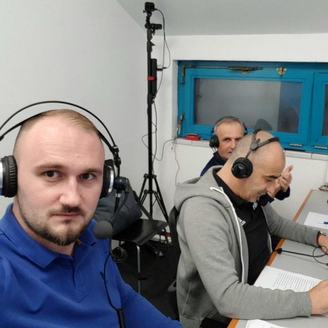 Marko Franić i Bruno Marić s Tomislavom Šetkom prije dvije godine u VAR sobi na stadionu u Kranjčevićevoj