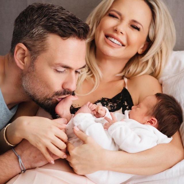 Maja Šuput sa suprugom Nenadom i sinom Bloomom