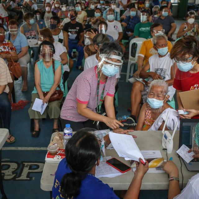Redovi za cijepljenje na Filipinima