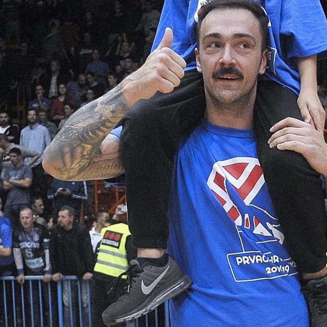 Iz nekih sretnijih dana - Damir Markota na proslavi naslova 2019. godine