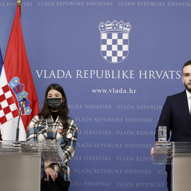 Minitar Aladrović s Martom Divjak i Antonijom Skender