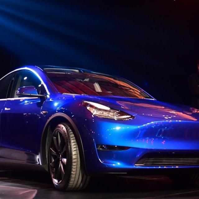 Tesla Model Y, ilustracija