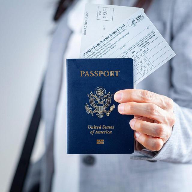 Ilustracija: covid putovnica