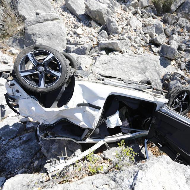 Mjesto teške prometne nesreće kod ulaza u Staru Bašku