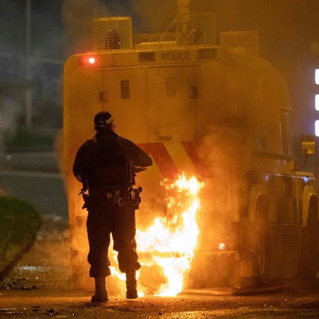 Neredi u Belfastu