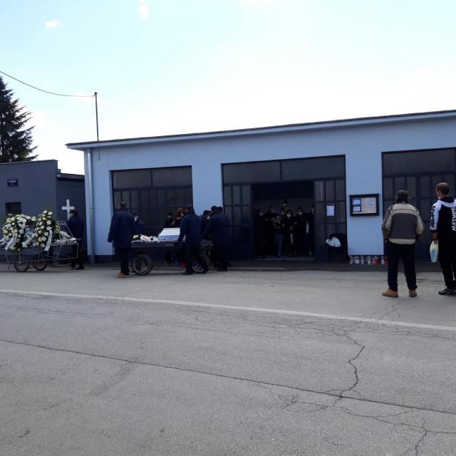 Pogreb tragično preminule djevojčice iz Nove Gradiške
