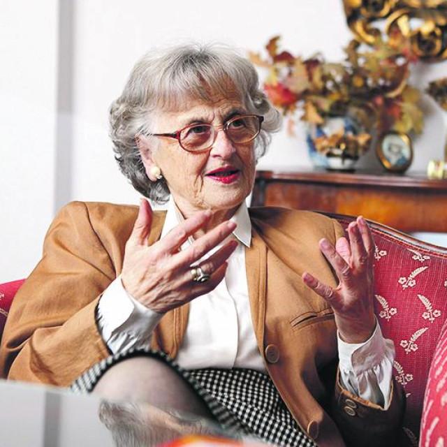 Maja Gluščević, supruga režisera Obrada Gluščevića, autorica knjige o tome kako je nastao film Vuk samotnjak.<br /> <br /> <br /> <br /> <br /> <br />